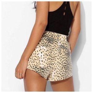 UO BDG Dree High Rise Cheeky Cheetah Shorts Sz 27